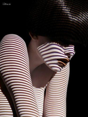12 фотографий, на которых модели одеты в свет и тени