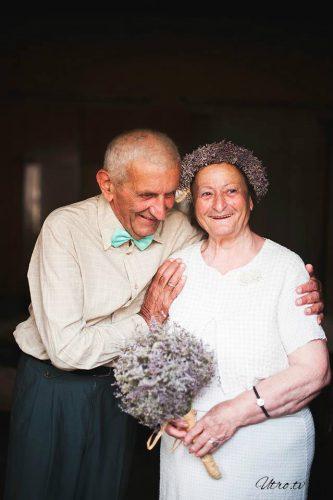 Молодожены в возрасте: грузинская пара сыграла свадьбу после 55 лет вместе