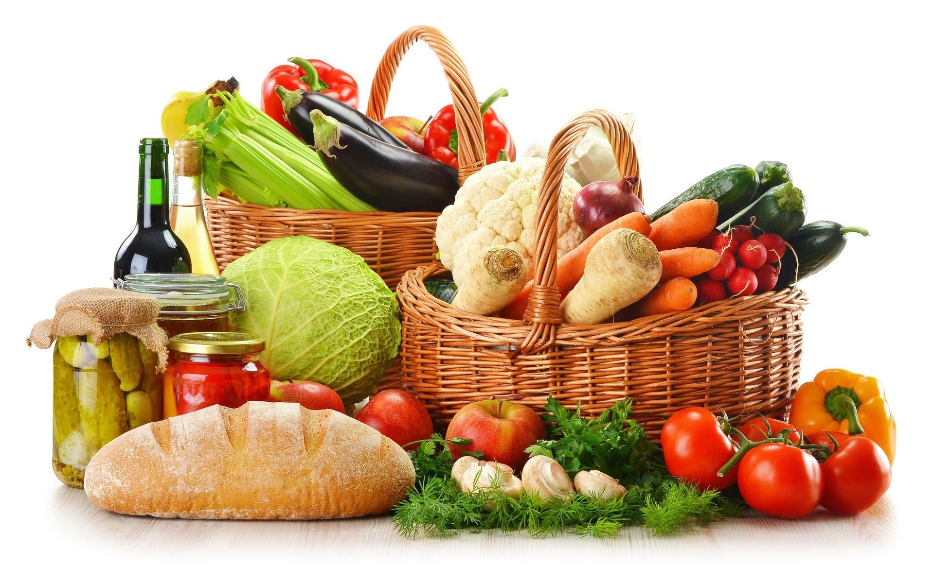 Диетологи назвали 20 продуктов, которые намного полезнее в паре