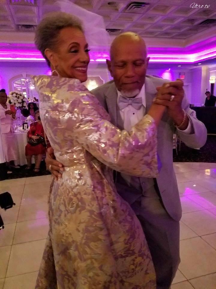 Невероятная история любви: пара сыграла свадьбу, спустя 60 лет