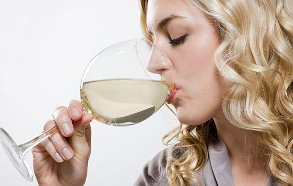 drinking-white-wine