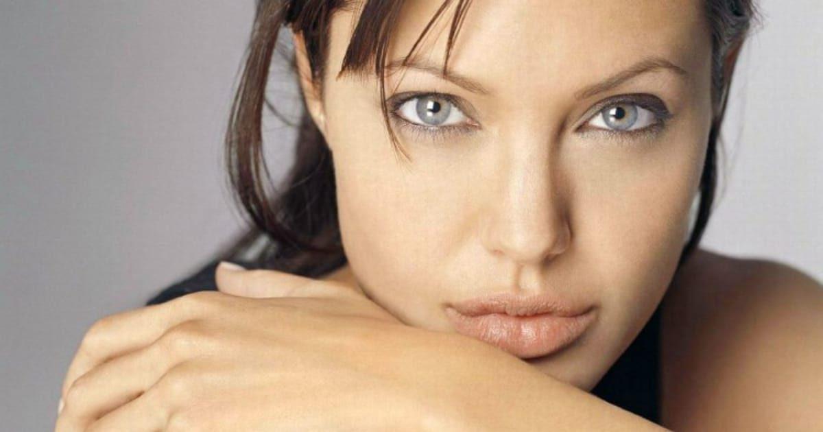 Почему Анджелина Джоли так выглядит? Узнайте все ее секреты!