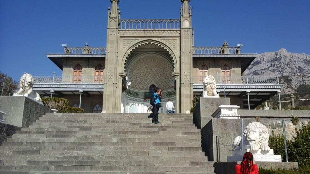 Южный фасад vorontsovskogo дворца выполнен в мавританском стиле
