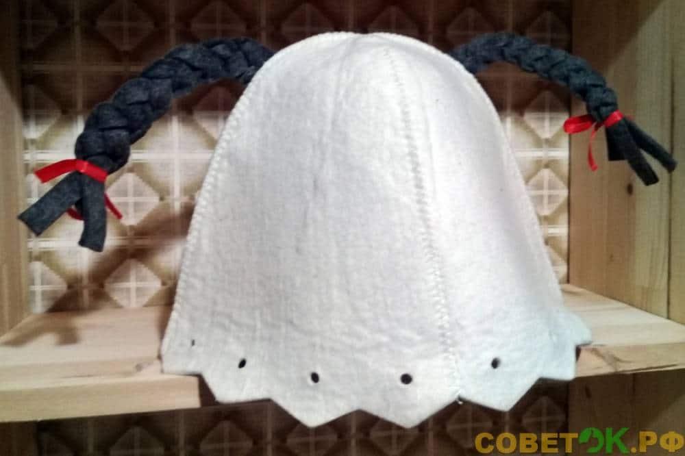 Женская шапочка для бани с косичками