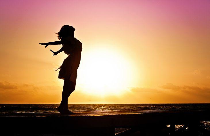 9 вещей, которые нужно отпустить, чтобы стать свободной