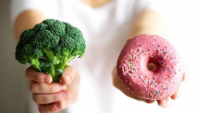 брокколи и пончик