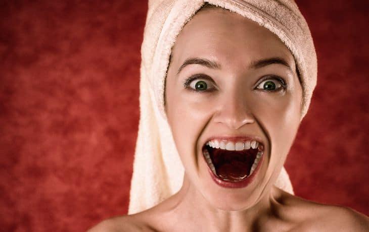 Топ-7 вредных привычек, разрушающих зубы