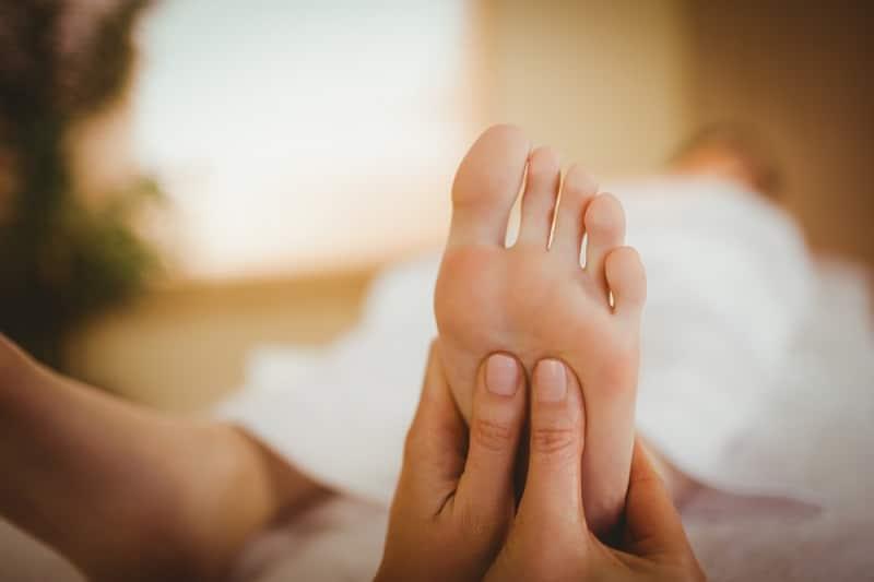 массаж ног точки