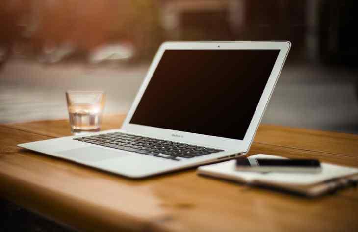 Как правильно заряжать ноутбук, чтобы батарея служила долго