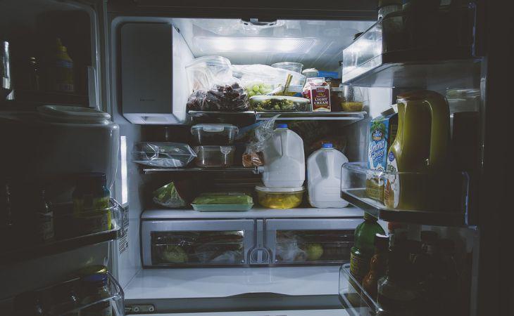 3 несъедобные вещи, которые следует хранить только в холодильнике
