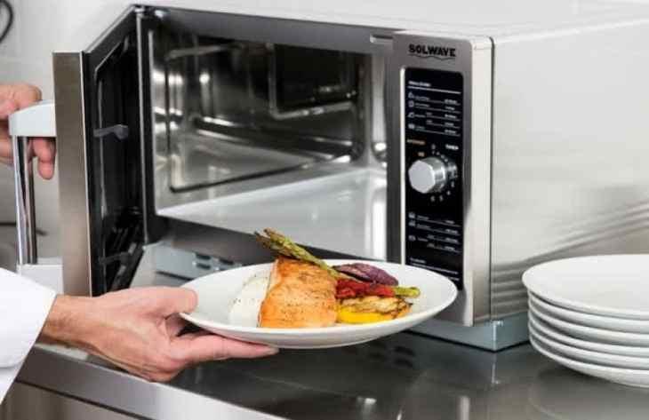 10 лайфхаков с микроволновой печью