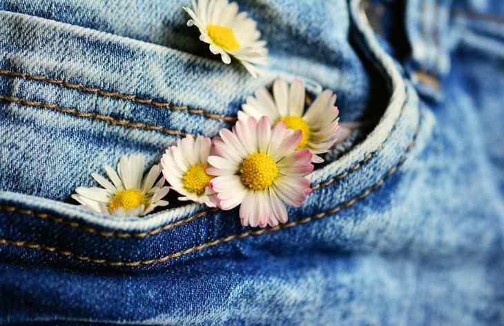 3 способа, как быстро высушить джинсы