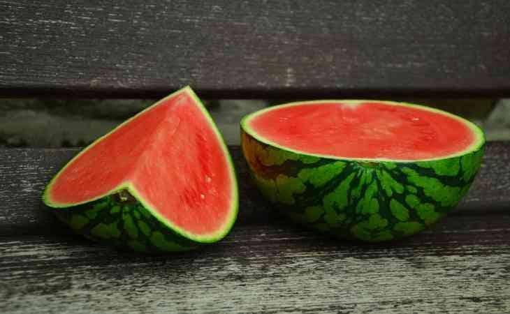7 главных правил, которые помогут выбрать спелый и вкусный арбуз