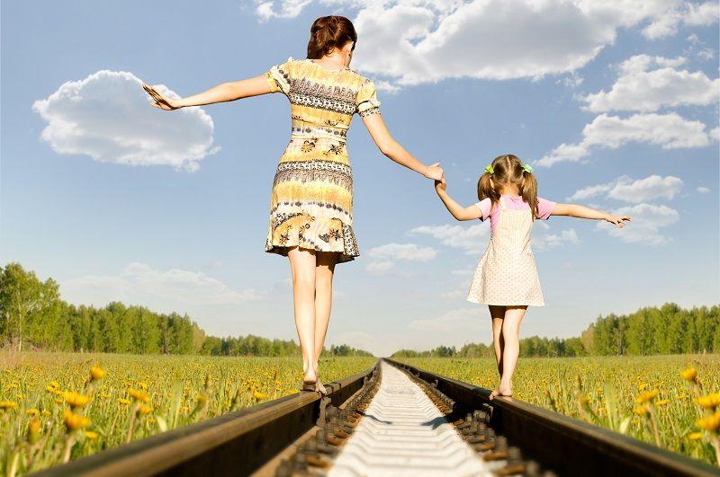 мама и дочка рисунок
