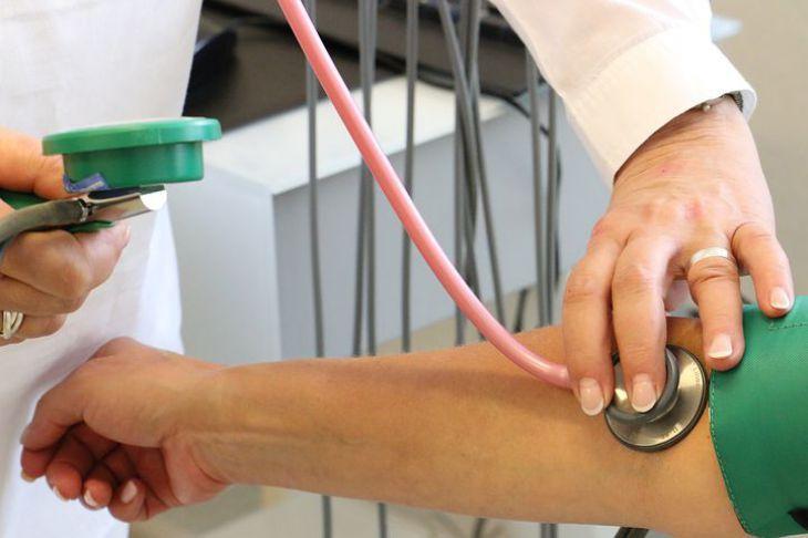 «Уволилась по причине эмоционального выгорания». Медсестра инфекционного отделения рассказывает о сложностях работы