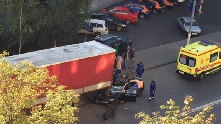В Москве в результате ДТП погиб известный актер и режиссер Игорь Хомский