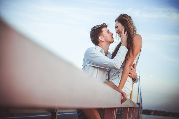 8 фраз, которые выдают любовь мужчины, даже если он её скрывает