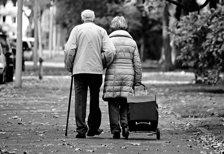 Ученые объяснили, почему вредно избегать половых контактов после 50 лет