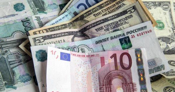 Курс валют сегодня: доллар иевро выросли наоткрытии торгов
