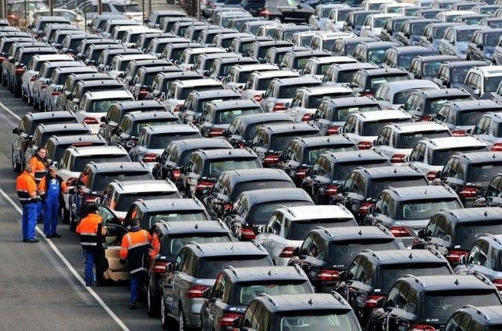 Производство легковых автомобилей в октябре в России снизилось на 8,2%