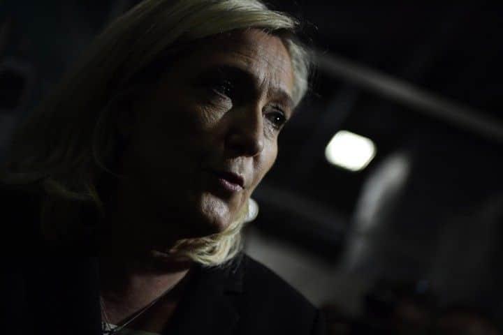 Ле Пен проиграла суд против Европарламента
