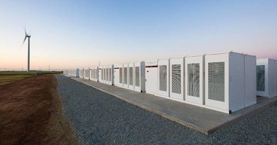 Tesla в полтора раза нарастит емкость крупнейшего в мире литий-ионного аккумулятора