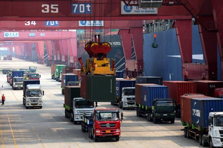 Экспорт Китая сократился 4-й месяц подряд, импорт неожиданно вырос