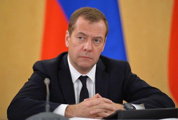 Медведев назвал товары, импорт которых удалось заместить российскими образцами