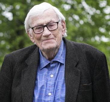Former Northern Ireland deputy First Minister Séamus Mallon has died, aged 83