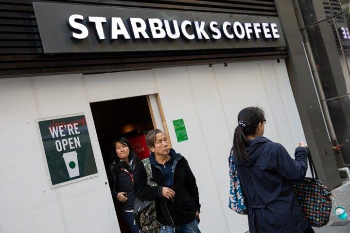 «Уханьская пневмония» ударила по Starbucks
