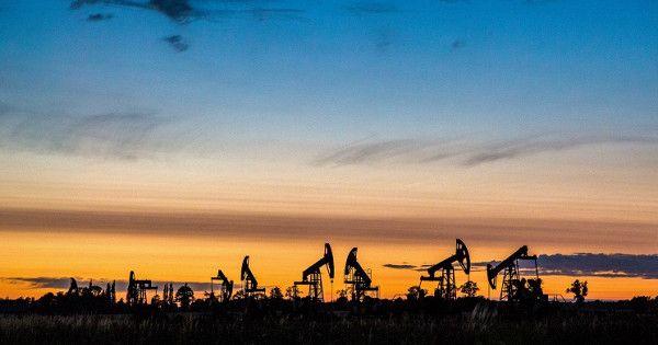Цена нанефть WTIопустилась ниже 20долларов впервые с2002 года